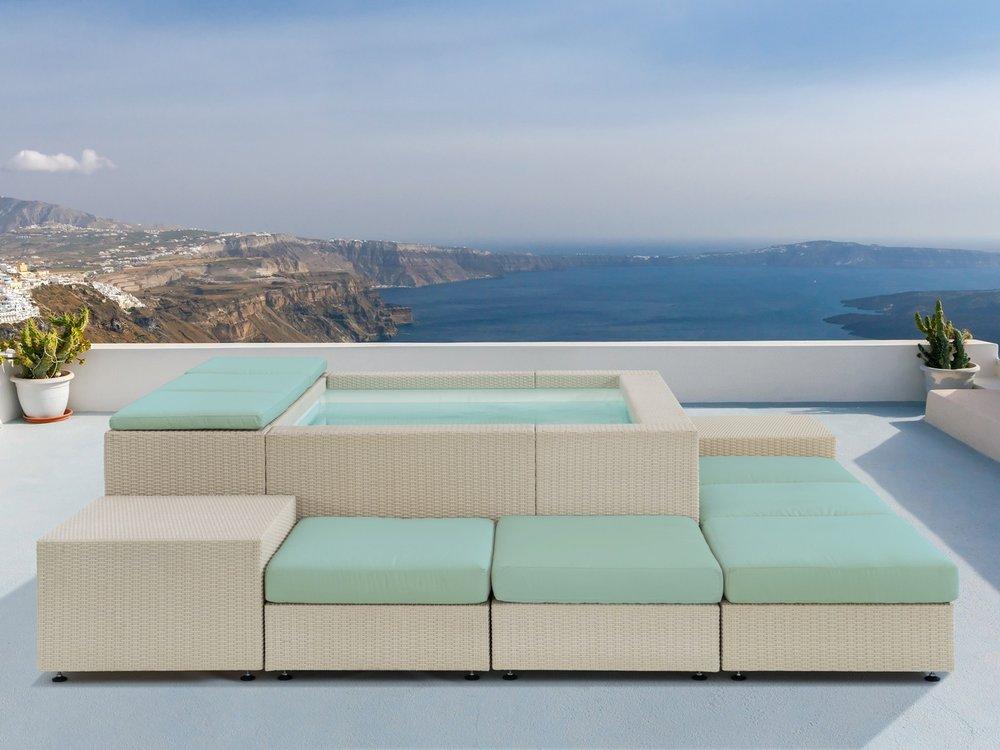 Playa w lounge outdoors